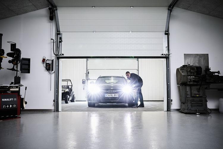 Garageport i tvätthall hos Nicolas Kiesa Formel 1 Expert