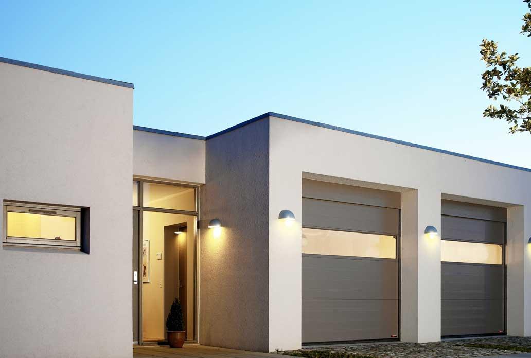 Grå Garageportar med panora fönster